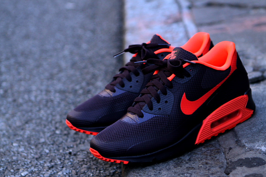 air max 90 hyperfuse rouge fluo