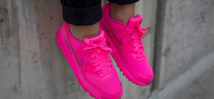 air max rosse fluo nike shox gar ons roadster. Black Bedroom Furniture Sets. Home Design Ideas